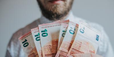 Cómo conseguir financiación y ayudas para montar un negocio